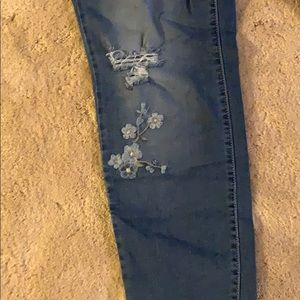 Earl Jeans Jeans - Earl embroidered skinny ankle jeans